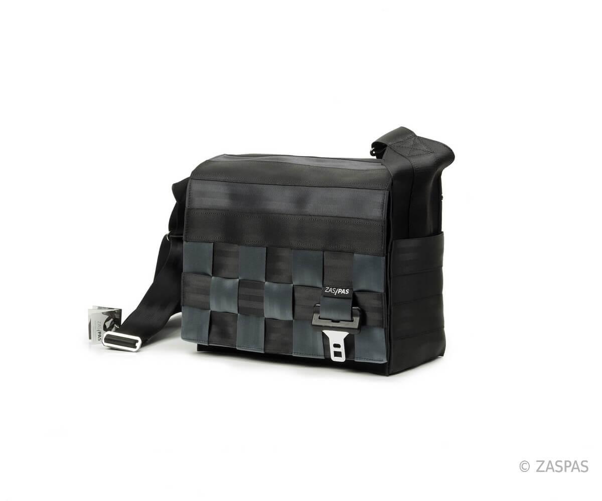 taška z recyklovaných bezpečnostních pásů