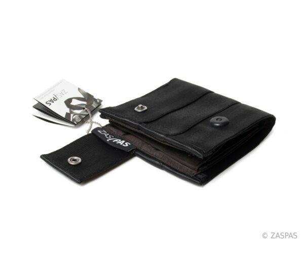 Originální peněženka z recyklovaných bezpečnostních pásů