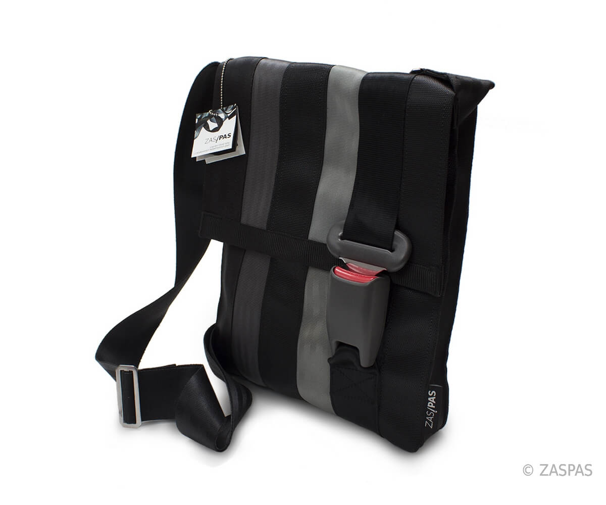 7564857107 Recycled seatbelts bag BLK 38-13