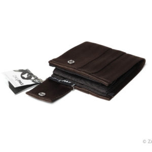 peněženka z recyklovaných bezpečnostních pásů